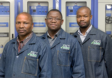 Image of technicians at TACS laboratories in Wynberg
